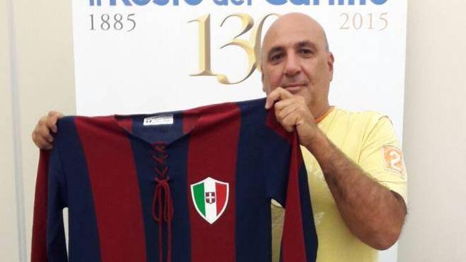 Edoardo Corvinelli con la maglia di Schiavio