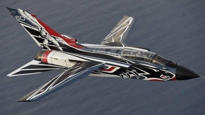 Il caccia Tornado con livrea speciale che sorvolerà l'autodromo a meno di cento metri di altezza prima della gara della MotoGp