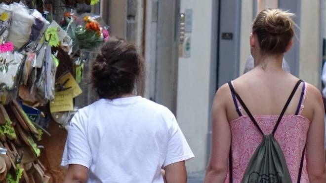 Due studentesse a Firenze (New Press Photo)