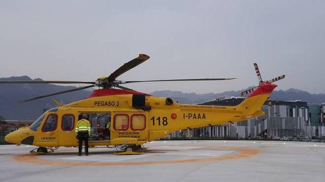 Pergaso, l'elicottero usato per trasportare l'uomo all'ospedale di Cisanello