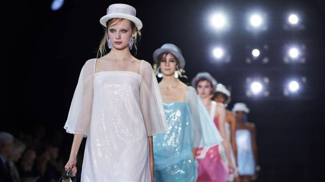 Londra, Armani presenta la collezione primavera-estate 2018 (Afp)