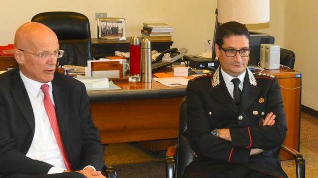 Il procuratore Walter Mapelli e il colonnello dei carabinieri Biagio Storniolo