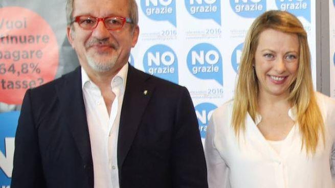 Giorgia Meloni e Roberto Maroni in una foto d'archivio (LaPresse)