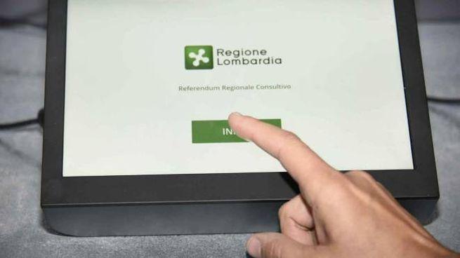 Un tablet per il voto elettronico