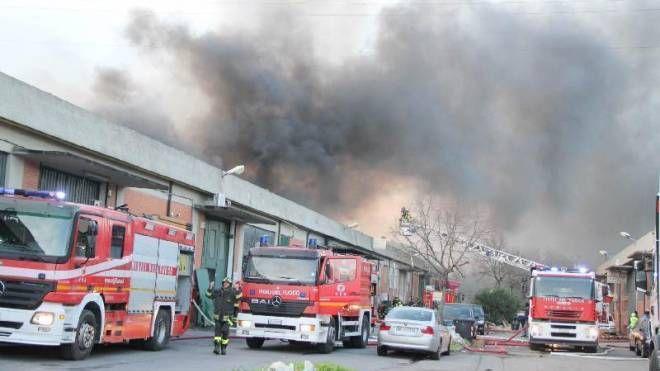 Incendio al Macrolotto