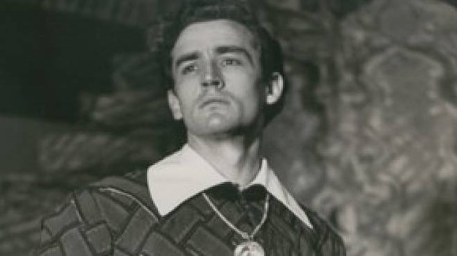 Vittorio Gassman che sul palco del Lirico ha portato tanti capolavori del Bardo