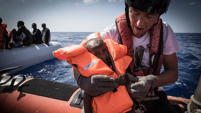 Palermo, la nave Aquarius di Sos Mediterrane carica di bambini - Dire