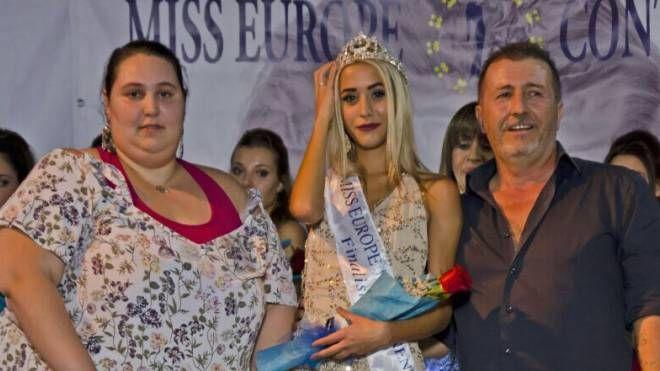 Irene Ceneri e Marco Tinti insieme alla vincitrice