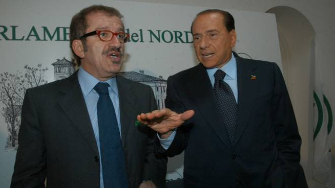 Alleati Roberto Maroni e Silvio Berlusconi (NewPress)