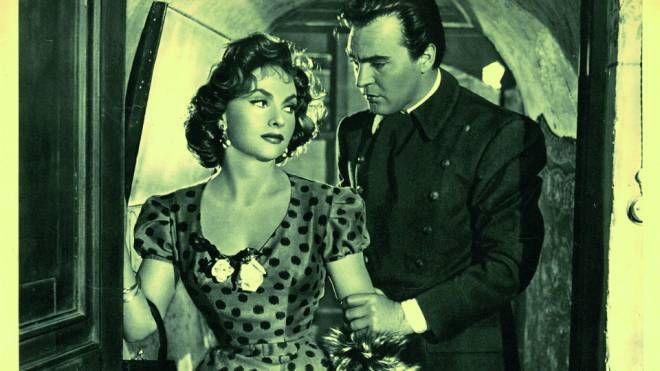 """Gina Lollobrigida in una foto di scena dal film """"La Romana"""" del 1954"""