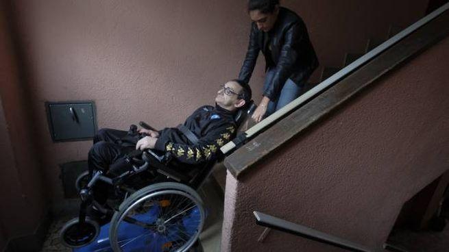Sedie Via Corelli Milano.Nuova Beffa Per Il Disabile Amedeo Ci Hanno Proposto Una Casa
