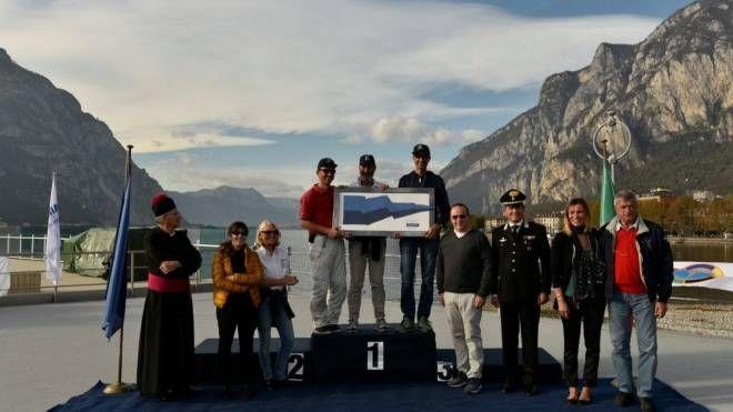 La premiazione alla Canottieri Lecco
