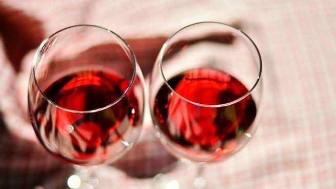 Due calici di vino rosso (foto repertorio)