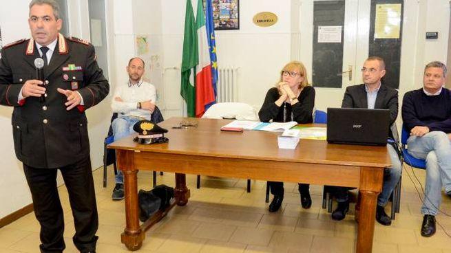 Il luogotenente Gaetano Carlino e gli altri relatori