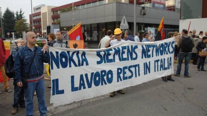 Una delle ultime proteste dei lavoratori Nokia-Alcatel Lucent