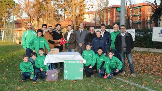Imola, un defibrillatore per la società sportiva Juvenilia - il Resto del Carlino