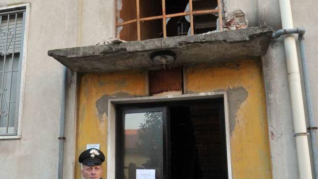 La palazzina sventrata da una bomba a Pioltello