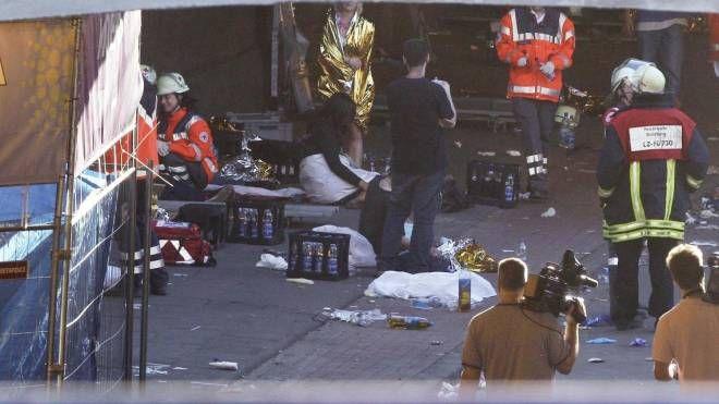 Le tragiche immagini dei soccorsi