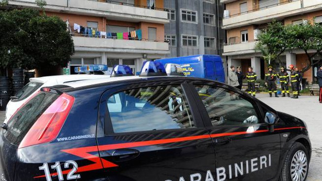 Carabinieri all'Hotel House