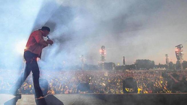 Vasco Rossi sul palco (foto Ansa)