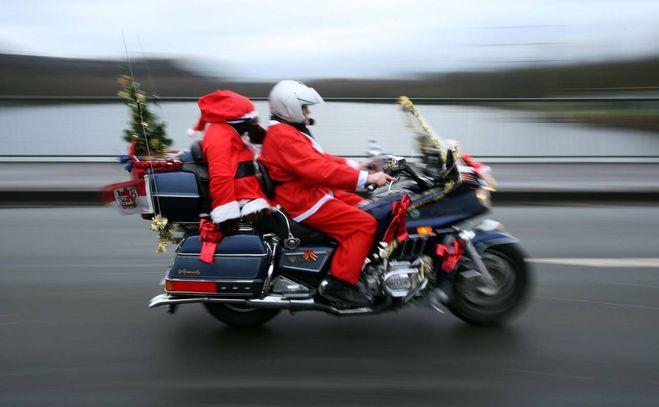 Frasi Di Natale Laiche.Buone Feste Di Natale Le Frasi Di Auguri Piu Dolci E Divertenti