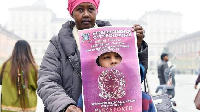 Manifestazione per la proposta di legge sullo ius soli (Ansa)