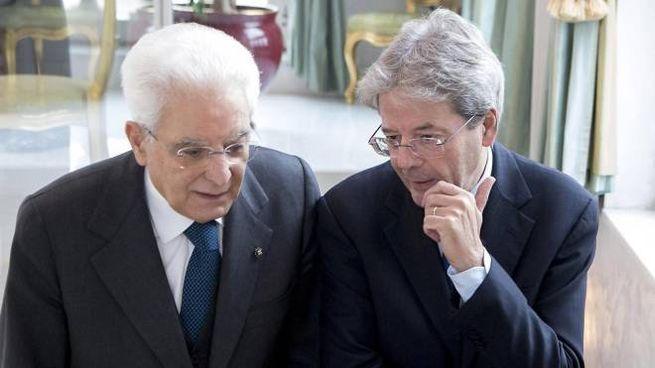 Sergio Mattarella e Paolo Gentiloni (Ansa)
