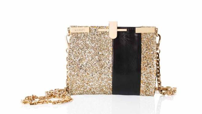 La mini borsa a tracolla in glitter oro della maison Zanchetti di Fossombrone