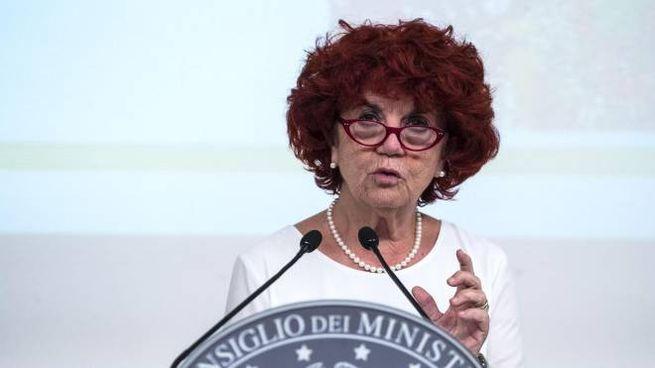 La ministra dell'Istruzione Valeria Fedeli (Ansa)