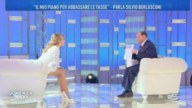 Silvio Berlusconi a Domenica Live con Barbara D'Urso (Ansa)