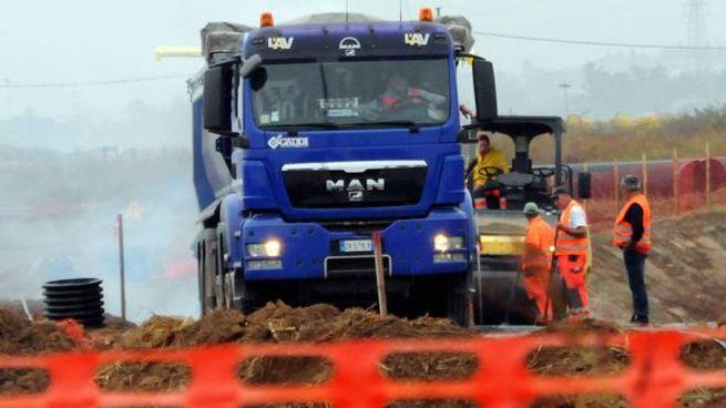 Mezzi impegnati per la realizzazione dell'autostrada