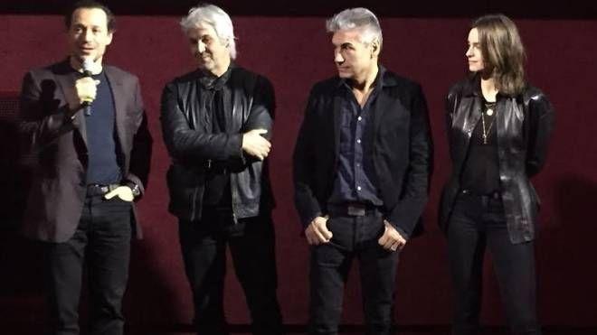 Ligabue e gli attori all'anteprima del film