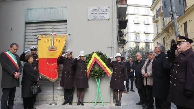 La piazzetta intitolata a  Luciana Pacifici a Napoli