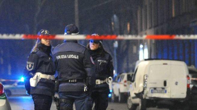 Polizia locale in via Michelino da Besozzo