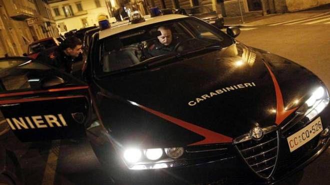 I carabinieri hanno arrestato un 52enne per maltrattamenti in famiglia e minacce