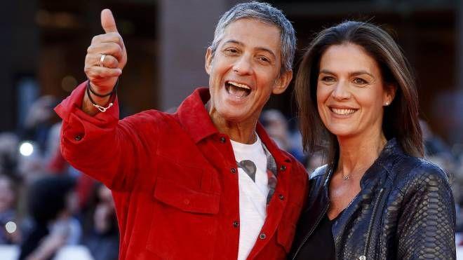 Fiorello con la moglie Susanna Biondo (Ansa)