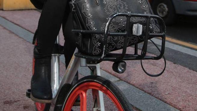 A Firenze sta spopolando anche il bike sharing Sono già 4.500 i mezzi che fanno parte della flotta «pubblica» e oltre 130mila gli iscritti  al servizio
