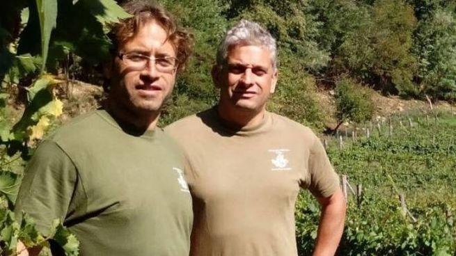 I fratelli Manolo e Alessandro Luchini nei loro vigneti a Monti di Licciana Nardi