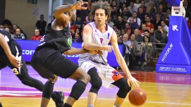 Della Valle, trascinatore della Grissin bon nel finale contro Villeurbanne  (Foto Artioli)