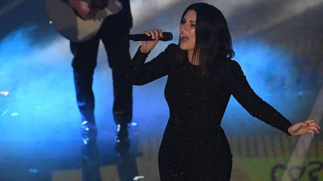 Laura Pausini sul palco dell'Ariston a Sanremo 2018 (Lapresse)