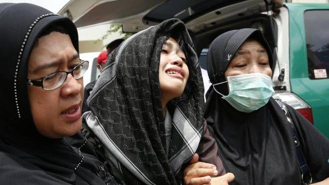 Bus precipita da collina: 27 morti a Giacarta (Ansa)