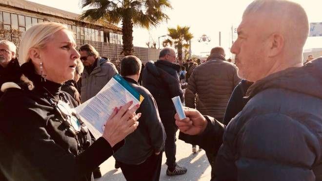 Sara Paglini con i cittadini