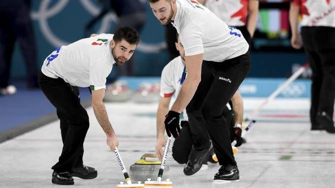 Olimpiadi invernali 2018. L'Italia vince per 7-4. Fantastico Amos Mosaner