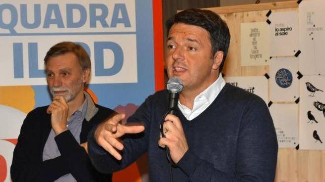 Graziano Delrio e Matteo Renzi, a Reggio Emilia (foto Artioli)