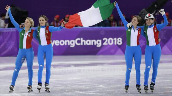 L'Italia festeggia la medaglia d'argento