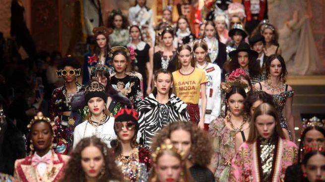 La sfilata di Dolce & Gabbana a Milano (Ansa)
