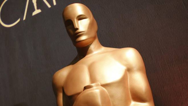Cinema, la statua dell'Oscar (Ansa)