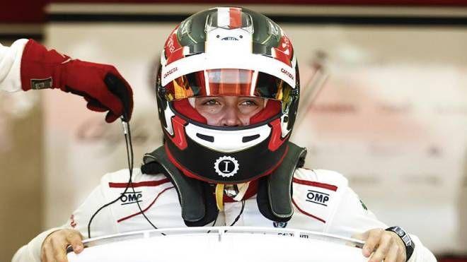 Charles Leclerc col casco griffato Garage Italia (Ansa)