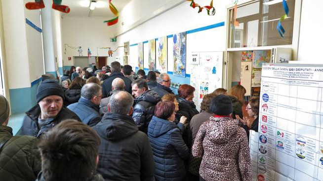 Elezioni 4 marzo, riminesi al voto (foto Petrangeli)