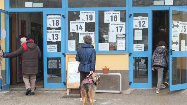 Elezioni 4 marzo, le scuole Cittadella sede di seggio a Modena (FotoFiocchi)